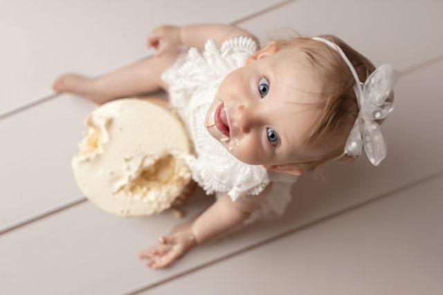 photo smash cake